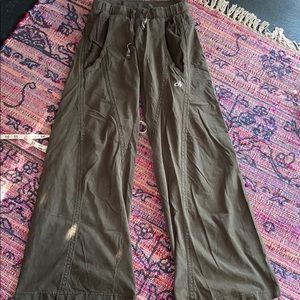 DEHA wide leg cargo pants